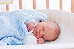 Beistellbett beugt plötzlichen Kindstod vor