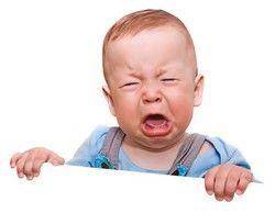 Weinendes Baby - Federwiegen helfen bei Koliken und Reflux