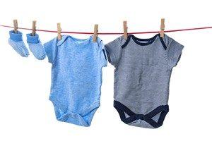 Baby Erstausstattung - Erste Baby Kleidung Sommer und Winter