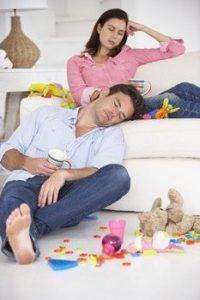 Erschöpfte Eltern benötigen Entspannung