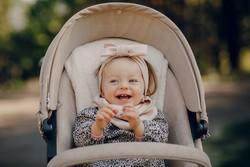 Ergänze den Kinderwagen mit einer praktischen Tragehlife