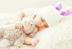 Schlafendes Baby dank Einschlafhilfe