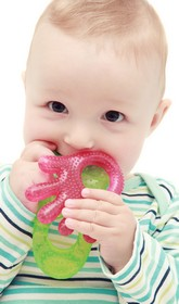 Ein Beißring verschafft Linderzung beim Zahnen