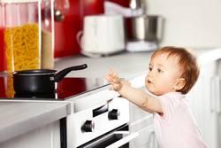 Kindersicherung-Baby-zu-Hause