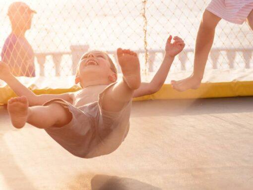 Trampolin springen für Kinder