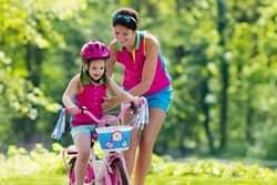 Fahrrad fahren lernen Kind