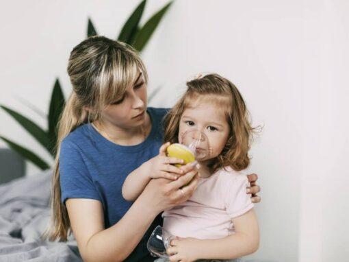 Wie inhaliert man richtig mit Babys und Kleinkindern